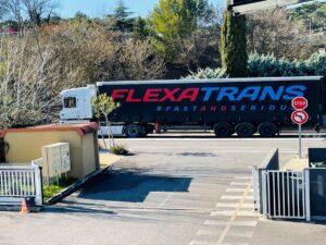 camion Flexatrans sur la route
