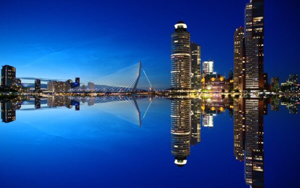 Chargement de marchandises à Rotterdam